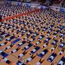 Gần 1.000 người dân Hà Nội tham gia đồng diễn hưởng ứng Ngày Quốc tế Yoga