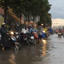Mưa lớn khiến Quốc lộ 51 ngập nặng, kẹt xe kéo dài