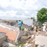 Sạt lở nhấn chìm 5 căn nhà, người dân may mắn thoát nạn