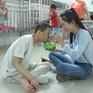 Thí sinh Miss World Việt Nam giản dị để mặt mộc thực hiện dự án nhân ái