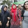 Tranh cãi về luật quản lý nội dung điện thoại ở Indonesia