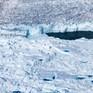 Các nhà khoa học tiết lộ nguyên nhân Greenland mất đi 12,5 tỷ tấn băng chỉ trong 1 ngày