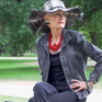 """""""Bà già phong cách"""" khuấy động Tuần lễ Thời trang New York"""