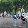 Khu vực Hà Nội mưa giông bất chợt trong ngày 23/8