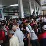 Sân bay Tân Sơn Nhất: Tắc cả trên trời lẫn dưới mặt đất