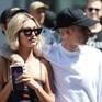 """Vợ Justin Bieber: """"Người ta nguyền rủa tôi sẽ bị chồng bỏ"""""""