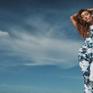 Maggie Q ra mắt thời trang làm từ vải tái chế