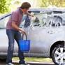 Cuối tuần rồi, ở nhà tự rửa ô tô, cần tránh những gì?