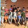 Chàng trai ung thư mở lớp học miễn phí cho trẻ em quê nghèo
