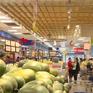 Hàng hóa tại siêu thị dồi dào và tươi ngon trong những ngày đầu năm mới