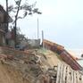 Kè biển hơn 30 tỷ đồng đang thi công bị sóng đánh sập