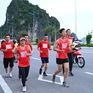 """Chương trình chạy tiếp sức """"Lên cùng Việt Nam"""" trích 1 tỷ đồng ủng hộ đồng bào bị lũ lụt ở miền Trung"""