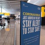 Anh xét nghiệm nhanh COVID-19 đối với hành khách xuất cảnh