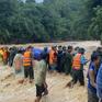 Băng rừng đưa thi thể Thượng úy công an hy sinh ra khỏi vùng cô lập do mưa lũ