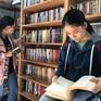 Hàng nghìn đầu sách ở thư viện xóm đảo mở mang tri thức cho trẻ nông thôn