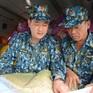 Trực thăng tiếp tế hơn 2 tấn lương thực cho nhân dân vùng lũ