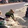 """Nỗi buồn của người dân tại """"vựa lúa"""" miền Trung sau lũ"""