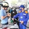 [INFOGRAPHIC] Giá xăng biến động như thế nào trong thời gian qua?