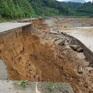 Bão số 9 gây hư hỏng, sạt lở và tắc đường nhiều tuyến quốc lộ qua miền Trung