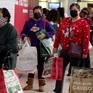 Người Mỹ vẫn xếp hàng dài mua đồ Black Friday, không còn cảnh chen lấn