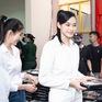 Hoa hậu Đỗ Thị Hà và 2 Á hậu giản dị trong chuyến từ thiện đầu tiên