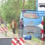 Phú Yên: Xe khách lao xuống ruộng, 40 hành khách thoát nạn