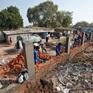 Ấn Độ xây tường giấu khu ổ chuột trước ngày tiếp đón Tổng thống Mỹ