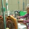 Nghĩ cử cao đẹp cụ bà 95 tuổi may khẩu trang tặng người nghèo