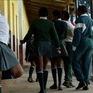 Sierra Leone bãi bỏ lệnh cấm nữ sinh mang thai được đi học