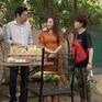 Những ngày không quên - Tập 1: Thư hậm hực vì bố Sơn mua đồ tích trữ ở cửa hàng nhà cô Xuyến