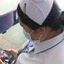 Những người mẹ làm nhân viên y tế vững vàng nơi tuyến đầu chống dịch