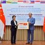Việt Nam trao tặng Singapore bộ xét nghiệm COVID-19 và khẩu trang kháng khuẩn