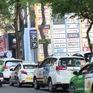 TP.HCM: Bất chấp bảng thông báo phạt nguội, nhiều ô tô vẫn... thích là dừng