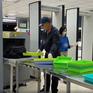 Hành khách đi máy bay giấu ma túy trong cạp quần