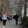 """Mỹ điều chỉnh thị thực sinh viên: Sinh viên quốc tế thở phào, """"mừng phát khóc"""""""