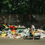 Ứ đọng rác nội thành Hà Nội: Phương án phân luồng chỉ đáp ứng 3-7 ngày