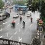 """Sau cơn mưa """"chớp nhoáng"""", Hà Nội lại oi nóng"""