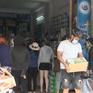 Người dân Đà Nẵng chen chúc, xô lấn nhau mua lương thực tích trữ