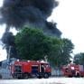 Cháy lớn tại xưởng nệm lúc nhiều công nhân đang làm việc