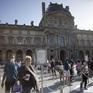 Bảo tàng Louvre mở cửa trở lại tại Paris
