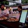 Độc đáo dịch vụ bồi bàn ảo tại Tây Ban Nha