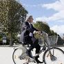 """Nhanh, tiện lợi, trào lưu đi xe đạp """"nở rộ"""" tại Paris"""