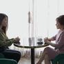 """Tình yêu và tham vọng - Tập 42: Linh """"bật"""" lại thẳng mặt khiến mẹ Minh giật mình"""