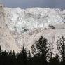 Italy sơ tán người dân do lo ngại vỡ sông băng
