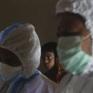 Quá tải công việc và thiếu thốn trăm bề, nhân viên y tế tại Ấn Độ không khỏi nản lòng