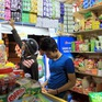 Tạp hóa - Kênh phân phối truyền thống vững chắc trên thị trường bán lẻ