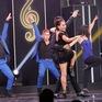 Chạm ngưỡng tuổi 60, nữ ca sĩ gây bất ngờ với bước nhảy điêu luyện