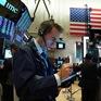 Thị trường chứng khoán, hàng hóa Mỹ chìm trong sắc đỏ