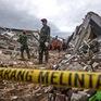 Indonesia chạy đua với thời gian để cứu hộ người bị mắc kẹt trong đống đổ nát sau động đất