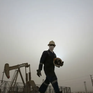 """Lo sợ """"bóng ma"""" COVID-19, giá dầu quay đầu giảm"""
